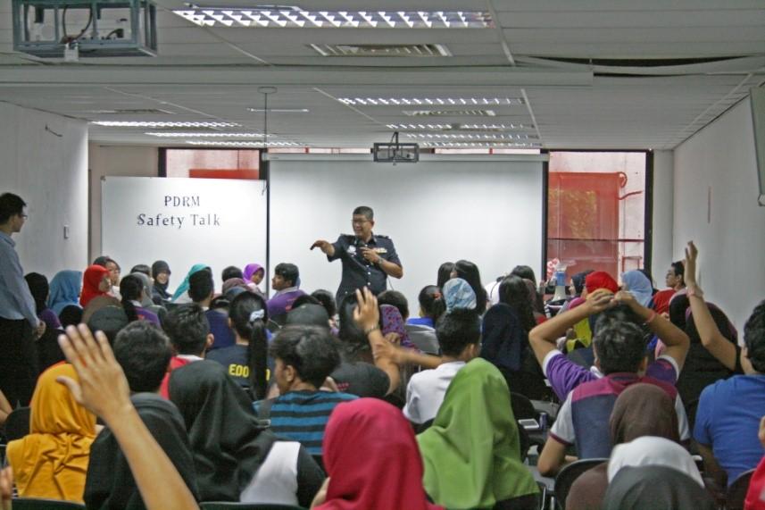 img-safety-talk
